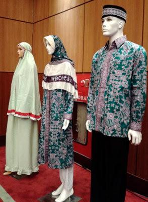 Ini Busana Batik Dan Mukena Merah Putih Jamaah Haji