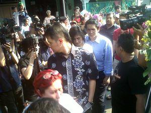 Ahmad Dhani, Al, dan El Sambangi Keluarga Nurmansyah di Koja
