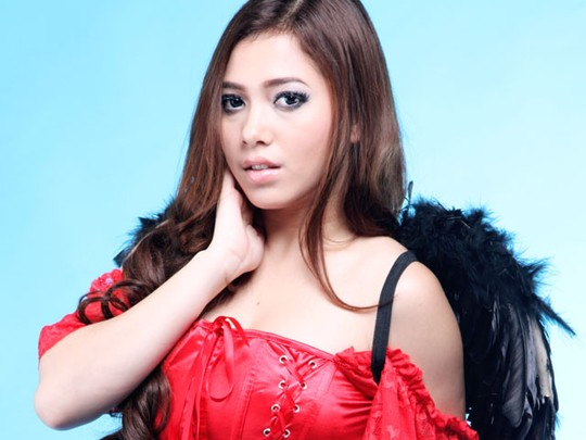 Zahra Jasmine, Sexy Red Devil