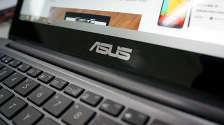Laptop Asus U38N, Memikat dengan Layar Ponsel Besar