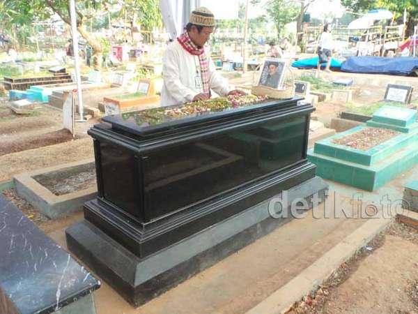 Ini Makam Uje Setelah Direnovasi