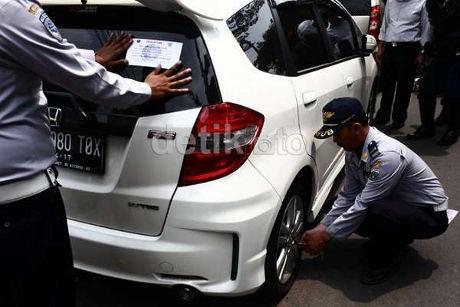 Korban Pencabutan Pentil Protes Mobil TNI Tidak Kena Razia di Jl Pramuka