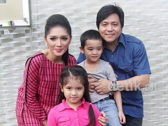 Angel Karamoy dan Keluarga Tercinta