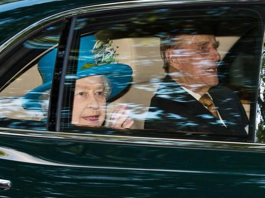 Ratu Elizabeth Hadiri Upacara Pembatisan Pangeran George
