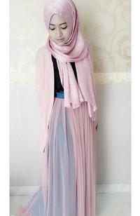 Hijab Style Natasha Farani Si Cantik Yang Dikenal Lewat Video Tutorial