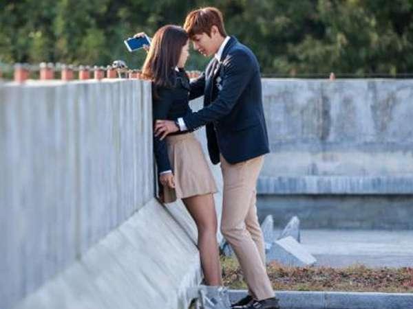 Mengintip Adegan Ciuman Lee Min Ho dan Park Shin Hye