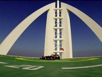 David Coulthard Lakukan Aksi Donut di Atap Hotel Burj Al Arab
