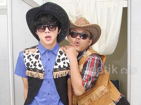 Yiha! Sule dan Anak Kompak Bergaya Cowboy