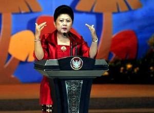 Ani Yudhoyono Terima Penghargaan Wanita Inspiratif dari LOreal-UNESCO