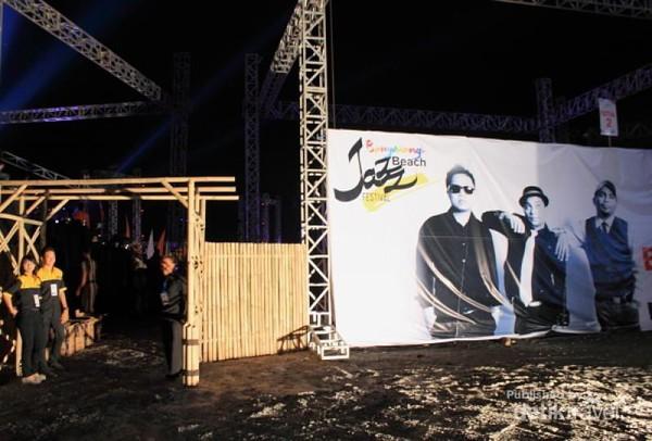 Pintu masuk Banyuwangi Jazz Beach Festival 2013