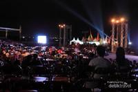 Suasana panggung Banyuwangi Jazz Beach Festival 2013