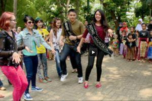 Super Girlies, Siti Liza, & Abang None Jakarta Minum \Bir\