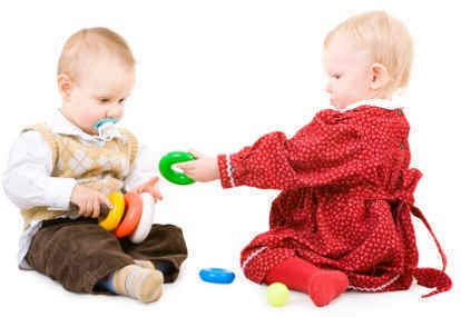 Mainan Pengasah Kreativitas untuk Bayi 0-2 Tahun