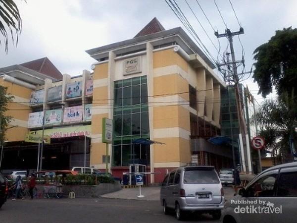 PGS Solo Pusat Belanja Batik