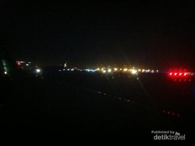 Terbang Malam Hari Saat Traveling, Tak Masalah