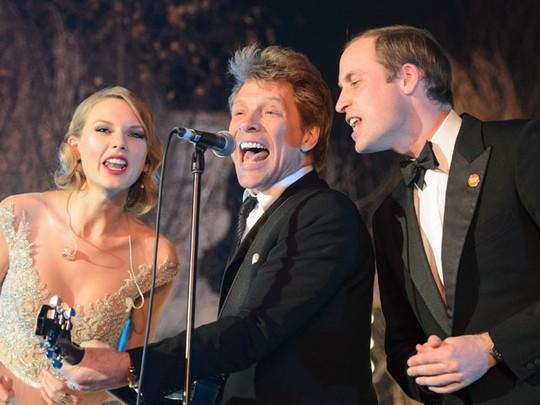 Serunya Pangeran William Nyanyi Bareng Taylor Swift & Bon Jovi