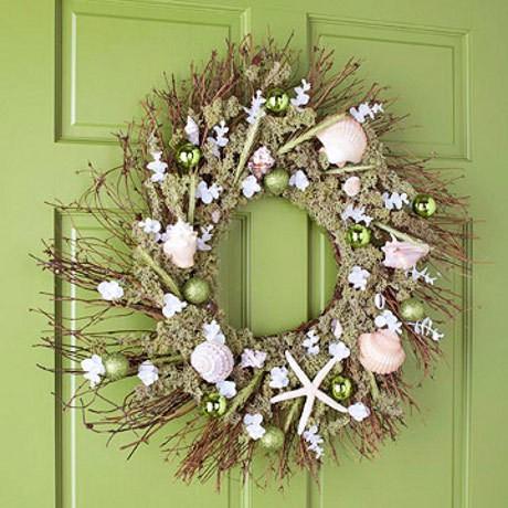 5 Ide Membuat Hiasan Pintu Rumah Cantik untuk Natal - Halaman 2