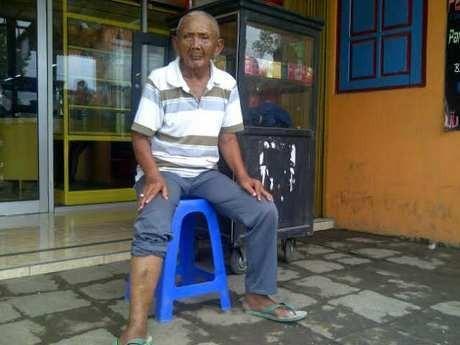 Bertemu Mbah Slamet, Masinis KA Tragedi Bintaro I yang Kini Jualan Rokok