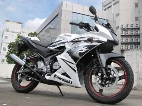 ilustrasi Kawasaki Ninja 150RR