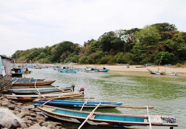 Sebelum nelayan yang mulai melaut dengan tenang