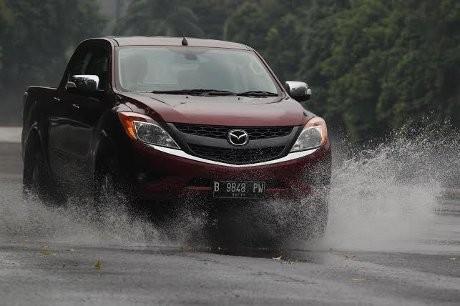 Jakarta-Surabaya dengan Mazda BT-50 Pro