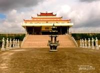 Berkunjung ke komplek Vihara Avalokitesvara Graha, berasa kita bukan sedang berada di Indonesia, tapi serasa berada di negara-negara Asia Timur.