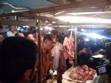 Sambangi Pasar di Ambon, Gita Wirjawan: Saya Bukan Kampanye!