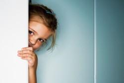 Anak yang Sulit Bersosialisasi Rentan Jadi Korban Foto Cabul di Internet