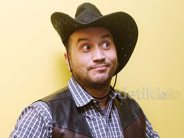 Gary Iskak Bergaya ala Cowboy