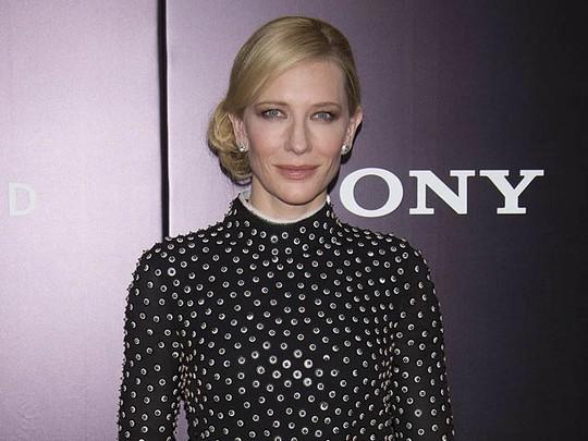 Cate Blanchett Tampil Klasik di Premiere The Monuments Men