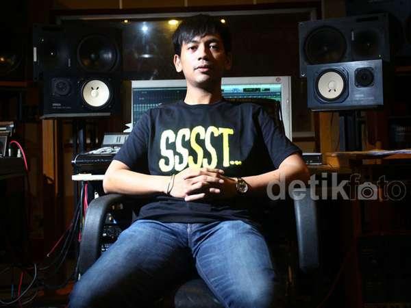 Rian dMasiv Ciptakan Lagu untuk Amal
