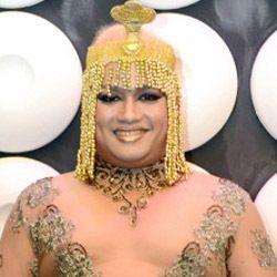 Bawakan Lagu Masa Bodo Tata Liem Tampil ala Cleopatra