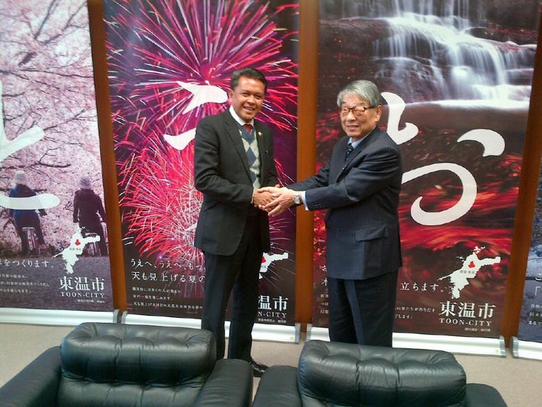 Aksi dan Ambisi Nurdin, Bupati Bergelar Profesor yang Meraih 50 Award