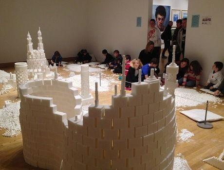 Membangun Kota dengan 500 Ribu Balok Gula