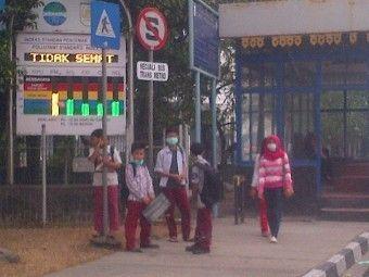 Pekanbaru Dikepung Kabut Asap, Seluruh Sekolah Diliburkan