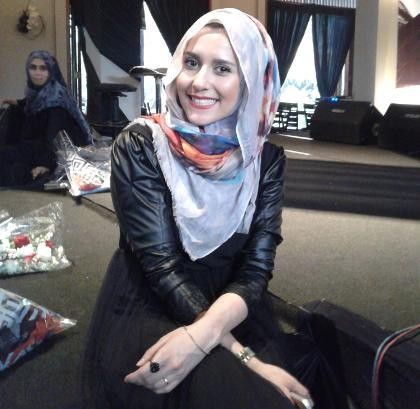 Dina Toki O Terkesan Dengan Perkembangan Fashion Hijab