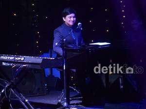 Konser Romantis Yovie and His Friends