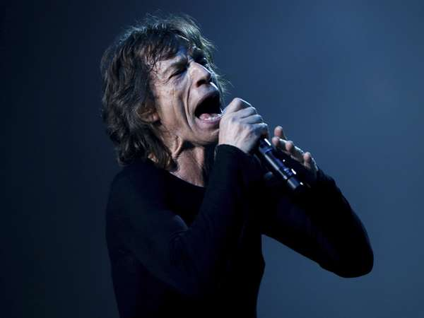 The Rolling Stones Gebrak Panggung Shanghai