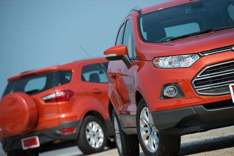 Jakarta Dengan Mesin   Cc Ford Ecosport Akan Memasuki Segmen Medium Suv Di Pasar Otomotif Nasional Mampukah Ecosport Menandingi Kekuatan Nissan Juke