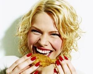 5 Kebiasaan untuk Cegah Hasrat Makan Menggila Saat Larut Malam