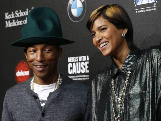 Pharrell Williams dan Topi Uniknya