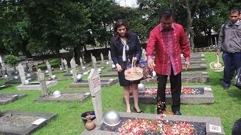 Dino Juga Akan Nyekar ke Makam Korban Ledakan MacDonald House di Singapura