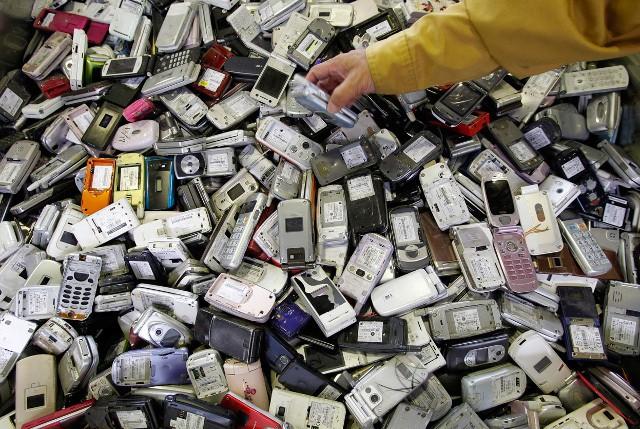 Untung Rugi Beli Ponsel Bm