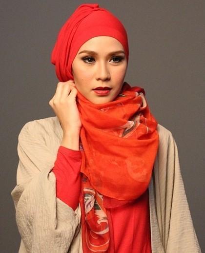 Tips Cantik Merias Wajah Untuk Wanita Berhijab Dari Zaskia