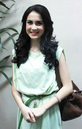 Hamil 7 Bulan, Arumi Bachsin Serasa Gotong Barbel