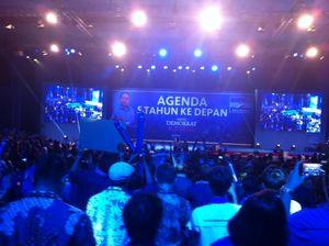 Rio Febrian dan Joy Tobing Nyanyikan Lagu Ciptaan SBY di Rapat Umum PD