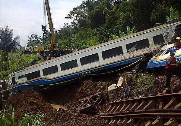Kapolda Jabar: Kecelakaan KA Malabar Murni karena Faktor Alam