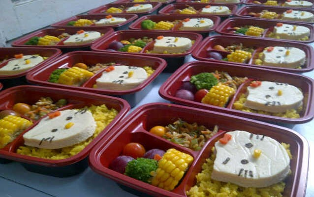 Sedang Repot Catering Ini Menyediakan Makanan Sehat Untuk Anak