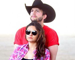Ashton Kutcher Peluk Perut Hamil Mila Kunis