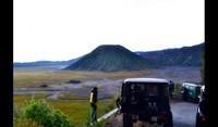 Pemandangan indah menuju kawah Gunung Bromo